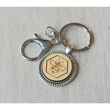 Natural wooden keychain with stainless steel base BEE