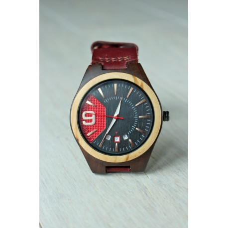 Wooden watch with date