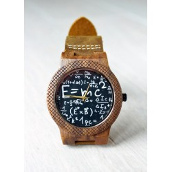 Drewniany zegarek EMC2