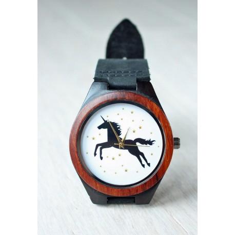 Drewniany zegarek z Jednorożcem