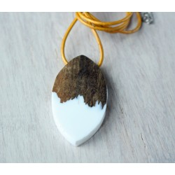 Wood and resin pendant FROSTY