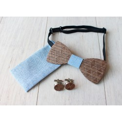 Zestaw drewniana muszka + poszetka + spinki PYRAMID błękitny