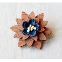 Drewniana elegancka wpinka kwiatek
