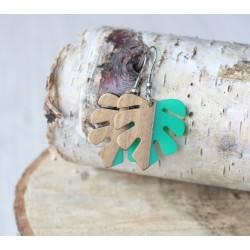 Kolczyki drewniane z żywicą MONSTERA zielona