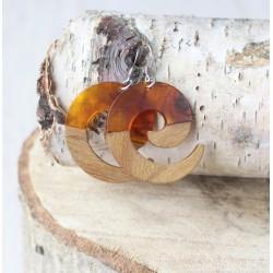 Kolczyki drewniane z żywicą ZAWIJAS bursztyn
